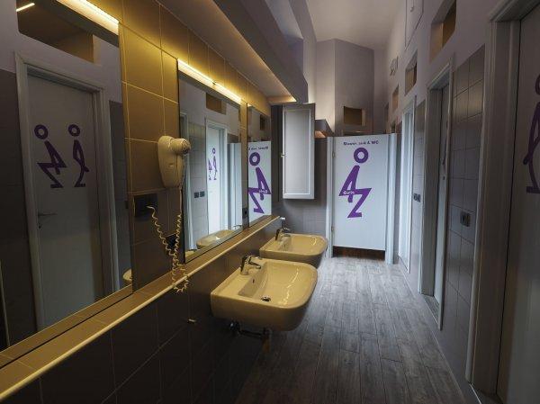 Hostel 7 Santi