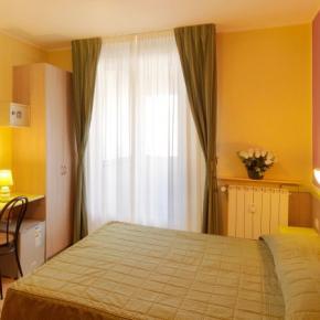 Hostels und Jugendherbergen - Hotel Arco Romana
