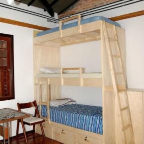 Hostels und Jugendherbergen - Solidaritat