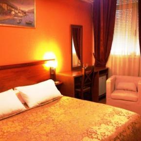Hostels und Jugendherbergen - Hotel Nobel Tirana