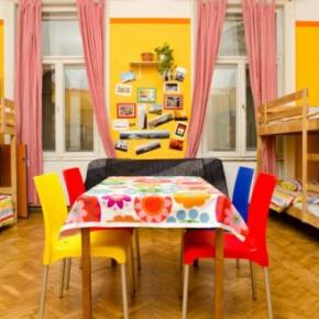 Hostels und Jugendherbergen - Colors Budapest Hostel and Apartment