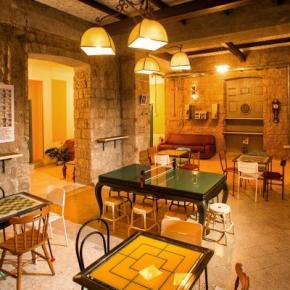 Hostels und Jugendherbergen - NeapolitanTrips Hostel and Bar
