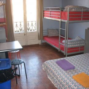 Hostels und Jugendherbergen - Backpackers House BCN
