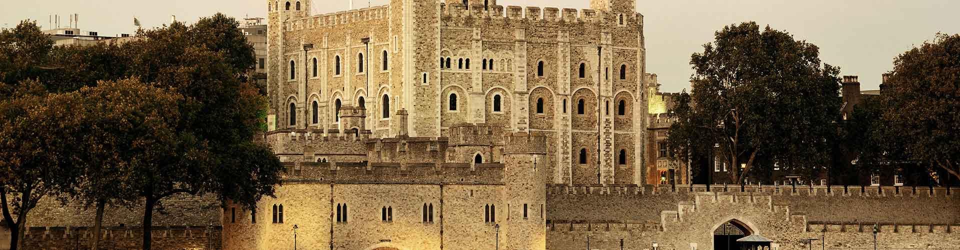 London – Hostels in der Nähe von Tower of London. London auf der Karte. Fotos und Bewertungen für jedes Hostel in London.