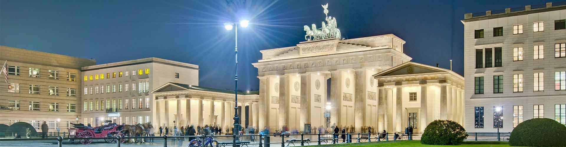 Berlin – Hostels in der Nähe von Pariser Platz. Berlin auf der Karte. Fotos und Bewertungen für jedes Hostel in Berlin.