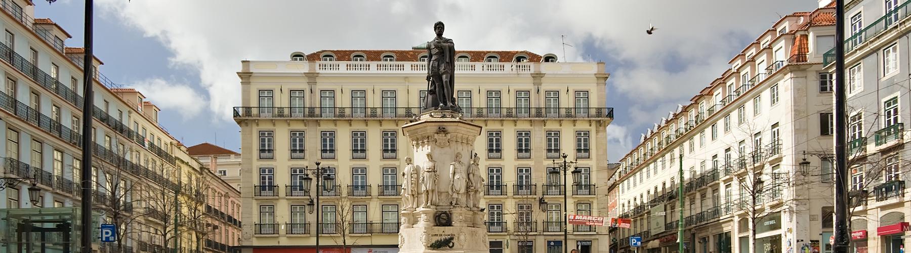 Lissabon – Hostels in der Nähe von Chiado. Lissabon auf der Karte. Fotos und Bewertungen für jedes Hostel in Lissabon.