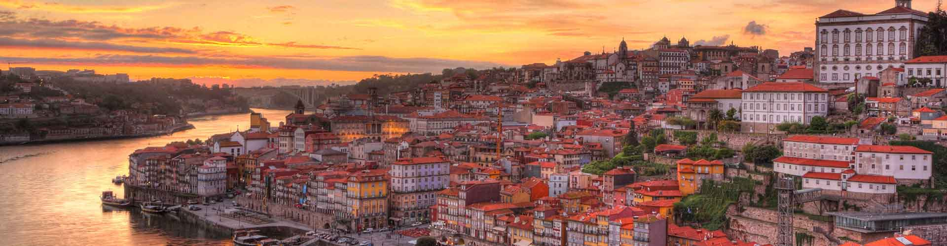 Porto - Hostels nahe São Bento Bahnhof. Porto auf der Karte. Fotos und Bewertungen für jedes Hostel in Porto.