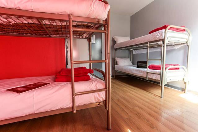 Frauenschlafsaal mit vier Betten