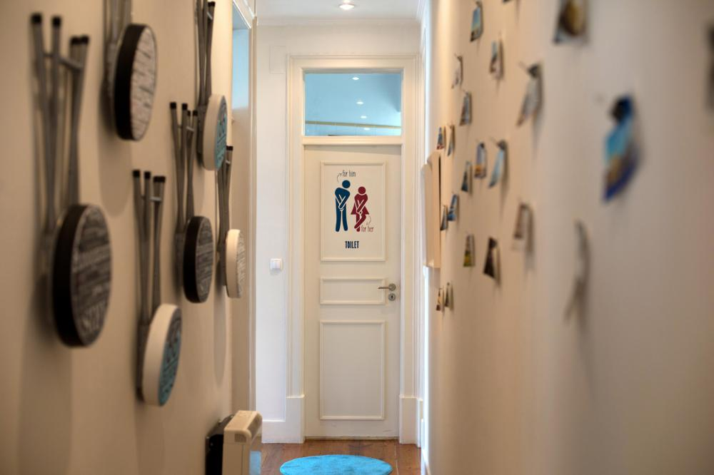 Wände und Toilette