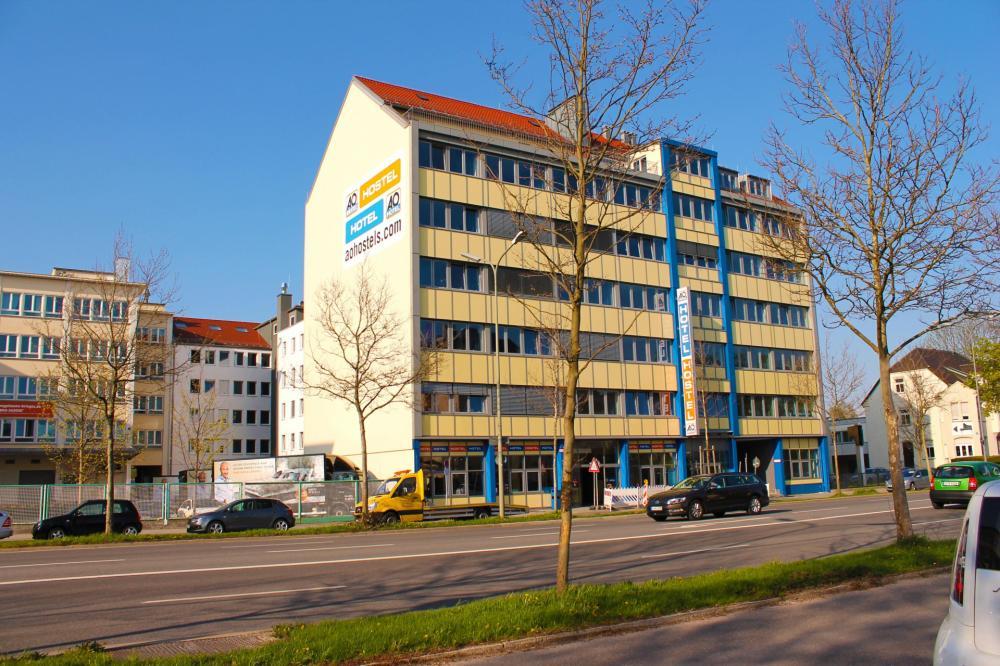 A&O München Laim Hostel Gebäude