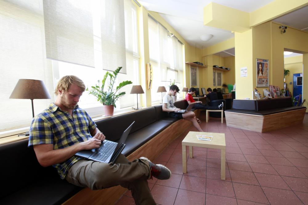 A&O München Hackerbrücke Hostel Lobby