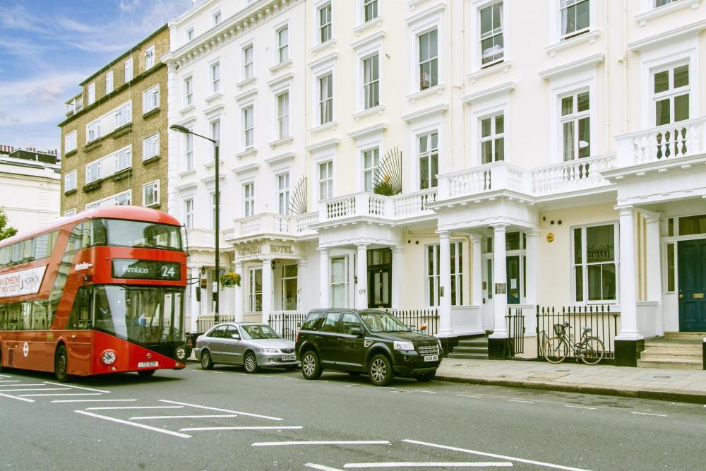 Da die Victoria Station und der Buckingham Palace nur wenige Minuten entfernt sind, ist unsere Lage unschlagbar!