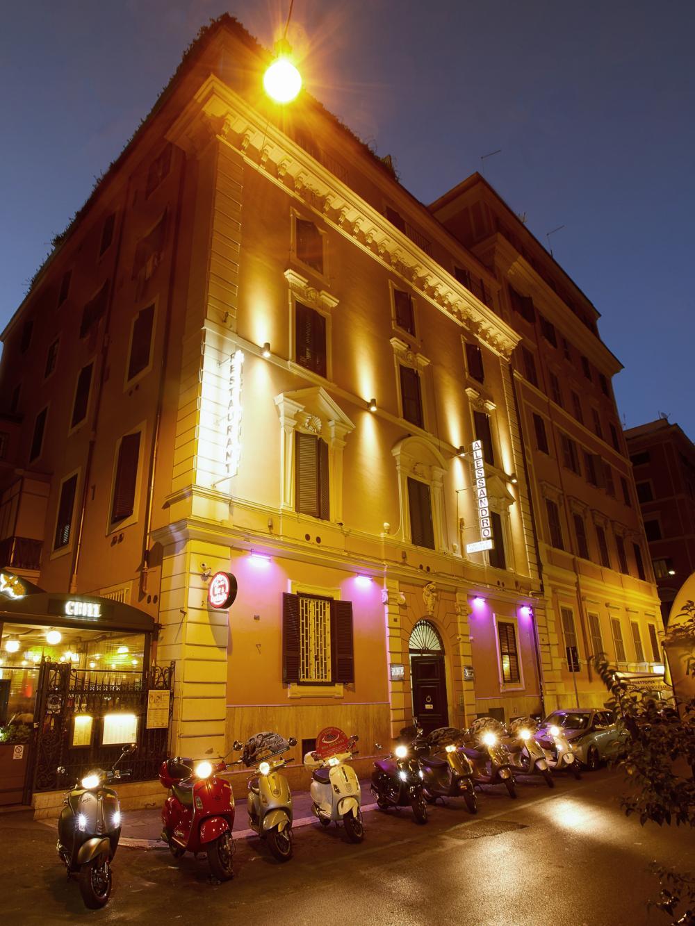 Foto außerhalb Alessandro Palace & Bar
