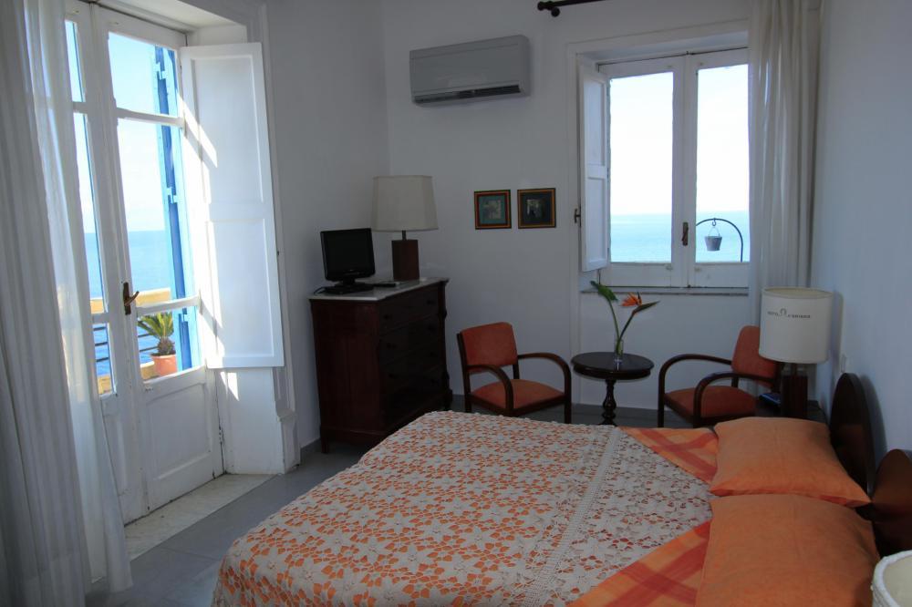 Doppelzimmer mit Blick auf das Meer