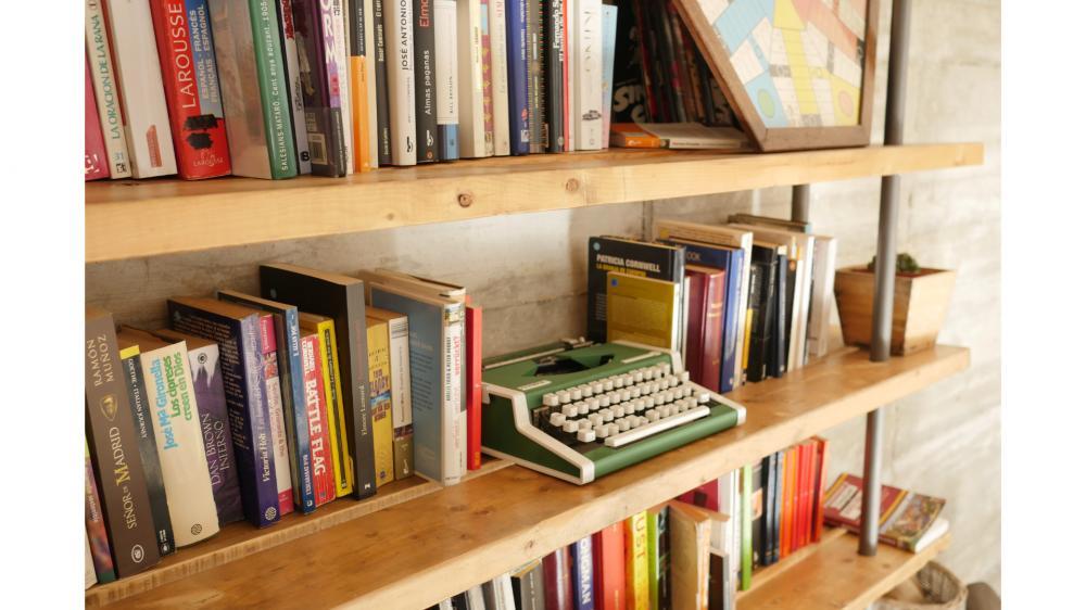 JAM Hostel Bibliothek