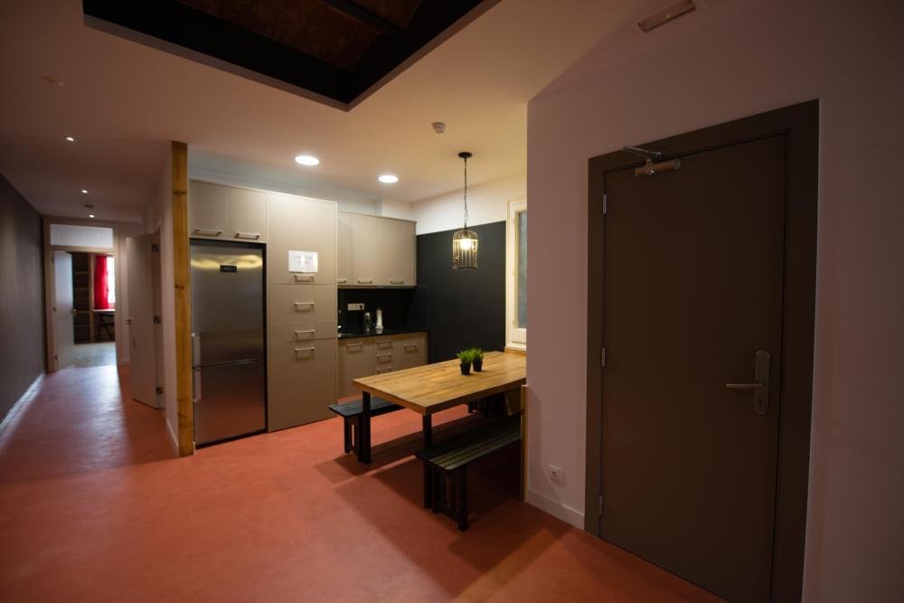 Moderne und voll ausgestattete Küche für jedermann zugänglich.
