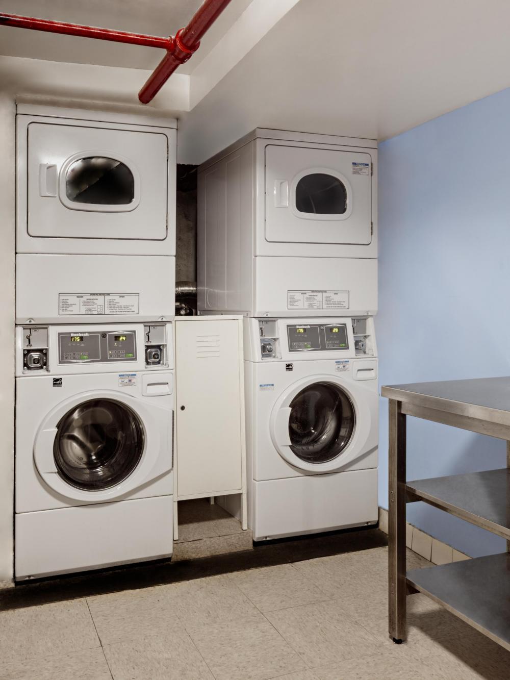 Waschmaschine  und Trockner kosten 1$ pro Ladung
