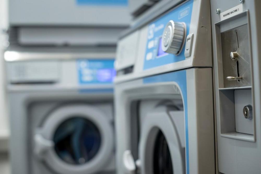ClinkNOORD verfügt über eine Wäscherei für alle Gäste