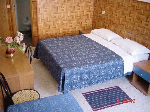 Privates Doppelzimmer mit Bad