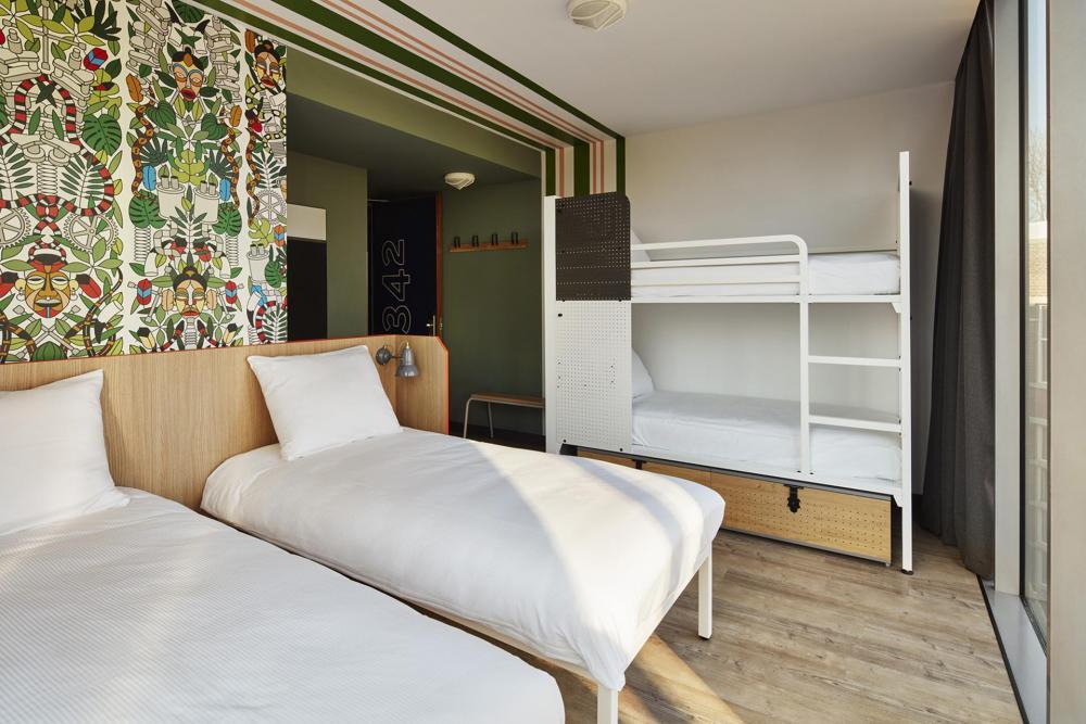 2 Einzelbetten und 1 Etagenbett