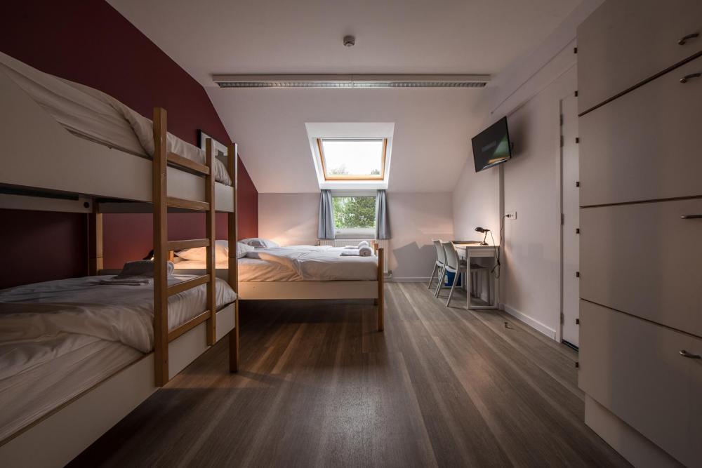 Vier Betten