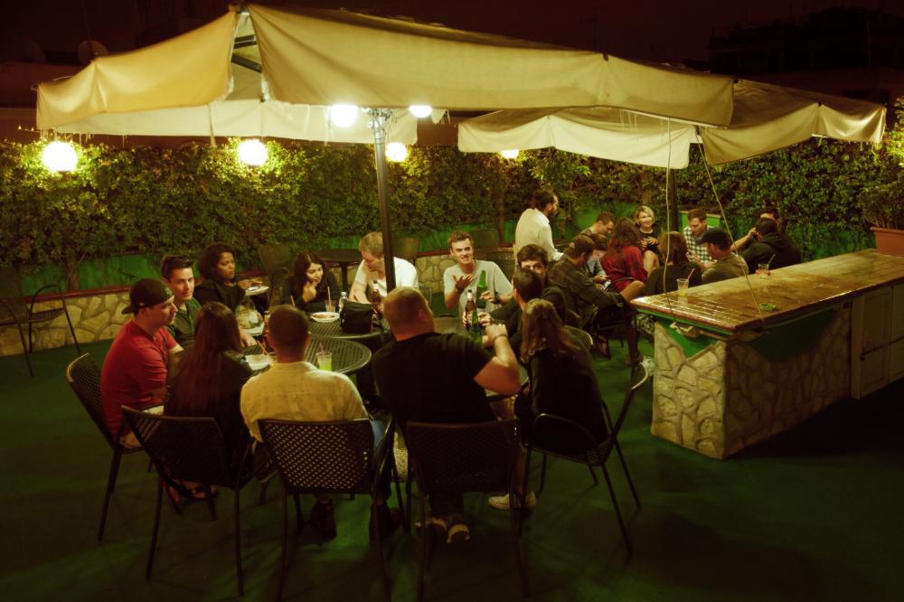 Dachterrasse & Bar (im Sommer)