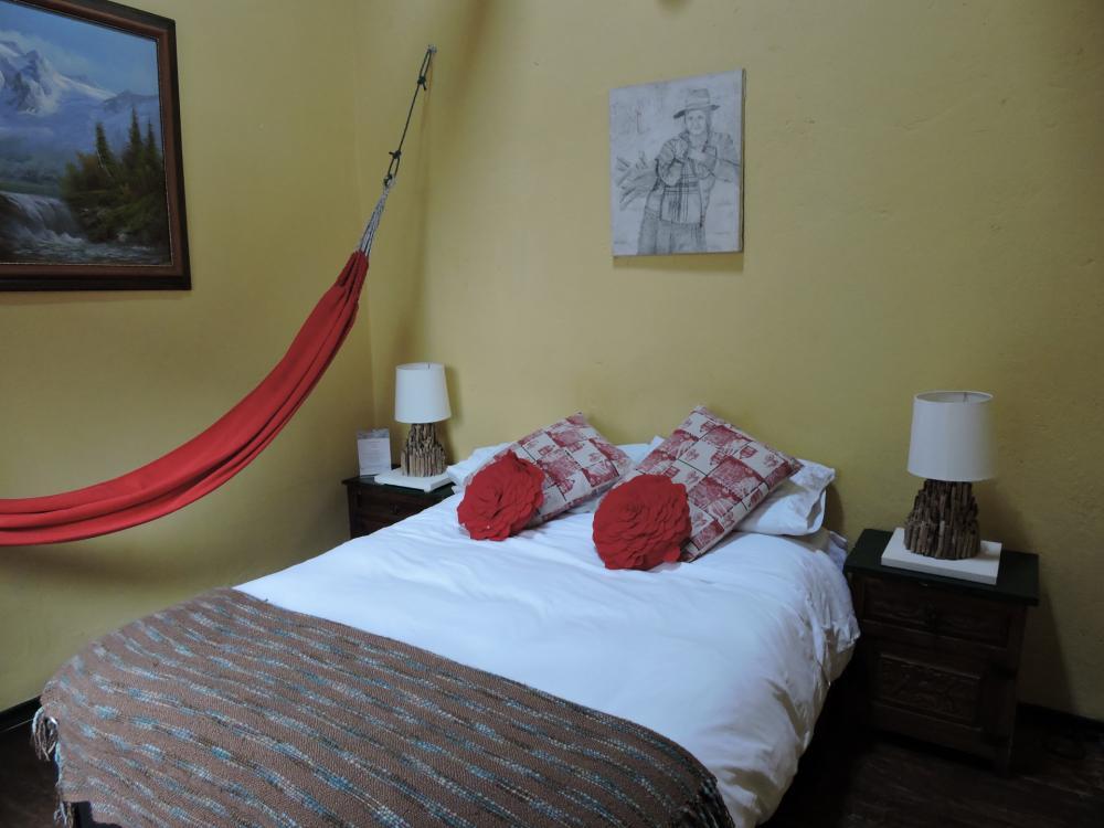 Zimmer mit privatem TV und Hängematte für dich zum relaxen und ausruhen