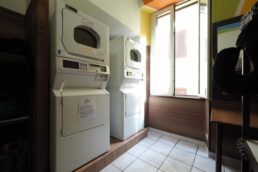 Wäscherei - 4 € Wäsche, 4 € trocknen, 1 € Waschmittel