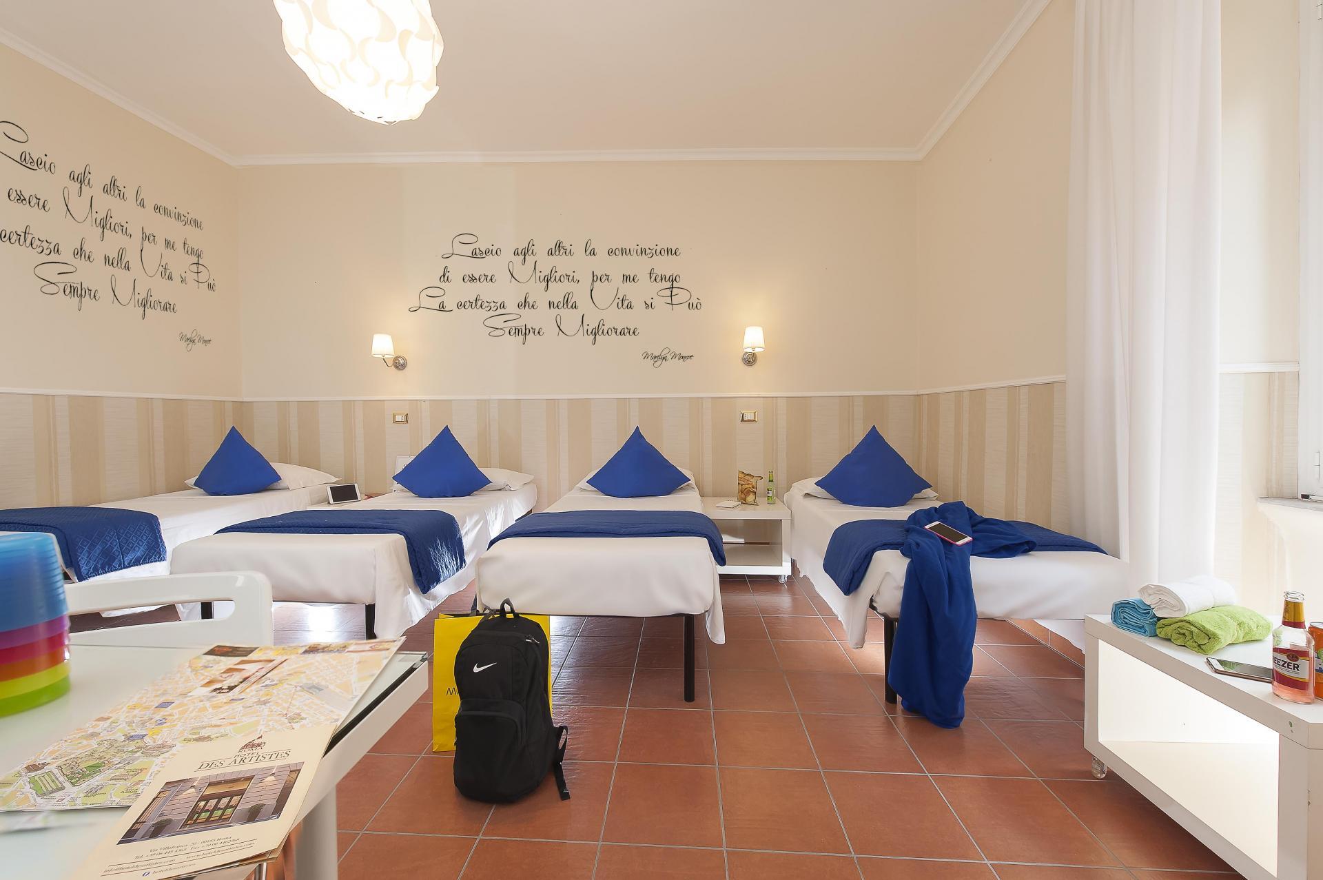 Hostel Des Artistes Budget Rooms