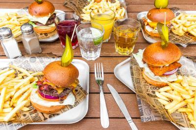 Hostel Bar Burgers