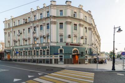 Hostels und Jugendherbergen - BroHostel