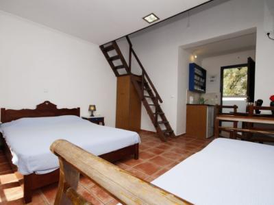 Hostels und Jugendherbergen - Anny Studios Perissa Beach Hostel